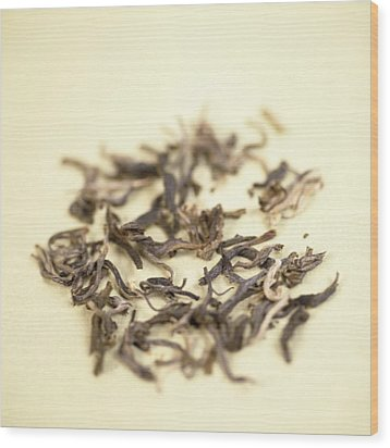 Green Tea Leaves Wood Print by Cristina Pedrazzini