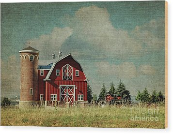 Greenbluff Barn Wood Print by Beve Brown-Clark Photography