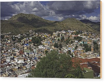 Wood Print featuring the photograph Guanajuato Vista No. 1 by Lynn Palmer