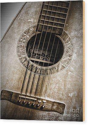 Guitar Wood Print by Danuta Bennett
