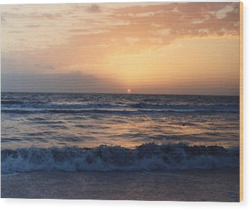 Wood Print featuring the photograph Gulf Coast Sunset by Lynnette Johns