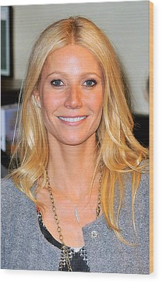 Gwyneth Paltrow At In-store Appearance Wood Print by Everett