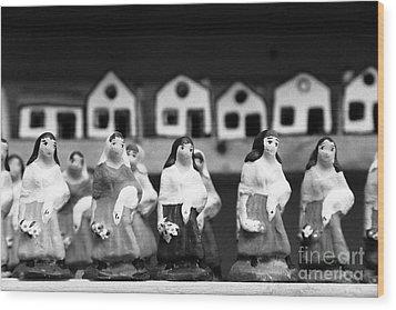Handpainted Figurines Wood Print by Gaspar Avila