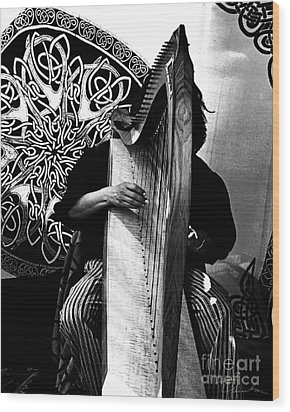 Harp Player Wood Print by Danuta Bennett