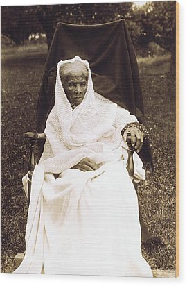 Harriet Tubman 1820-1913 In Old Age Wood Print by Everett