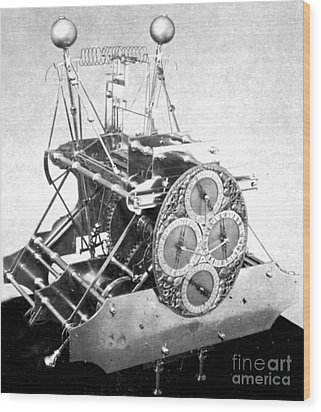 Harrisons First Marine Timekeeper Wood Print by Photo Researchers