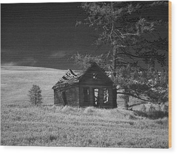 Haunted House Wood Print by Anne Mott