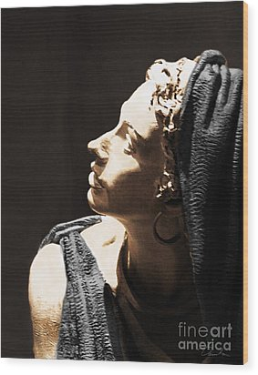 Her Profile Wood Print by Danuta Bennett