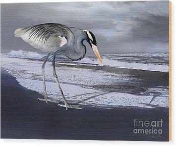 Heron Taking His Afternoon Beach Walk Wood Print by Danuta Bennett