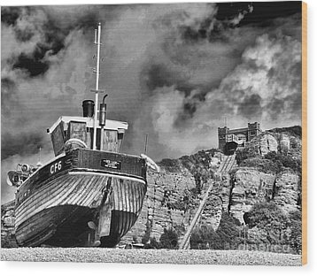 High And Dry 2 Wood Print by Graham Taylor