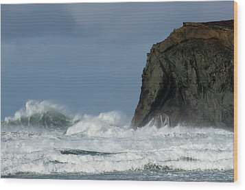 High Surf Wood Print by Bob Christopher