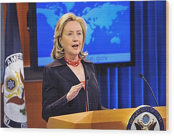 Hillary Clinton Speaking Wood Print by Everett