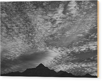 Himalayan Sky In Black And White Wood Print by Don Schwartz