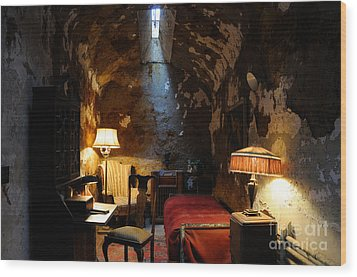 Historic Prison Cell Of Al Capone Wood Print by Gary Whitton
