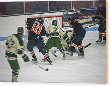 Hockey Two On Two Wood Print by Thomas Woolworth
