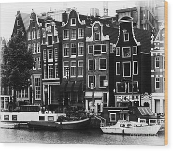 Homes Of Amsterdam Wood Print by Leslie Leda