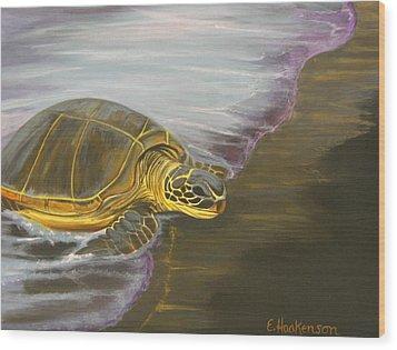 Honu On Black Sand Beach Wood Print by Elaine Haakenson
