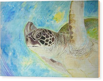 Honu Swimming Wood Print by Tamara Tavernier