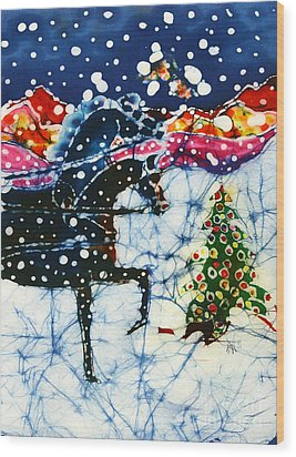 Horses Trot To The Christmas Tree Wood Print by Carol Law Conklin