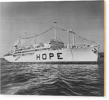 Hospital Ship, S.s. Hope , 15,000-ton Wood Print by Everett