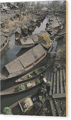 Houseboats Line A Waterway Wood Print by Gordon Wiltsie