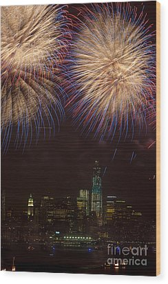 Hudson River Fireworks Xi Wood Print by Clarence Holmes