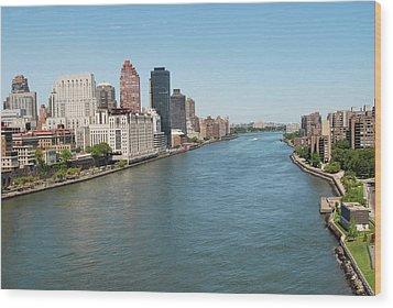 Hudson River, New York City Wood Print by Thepurpledoor