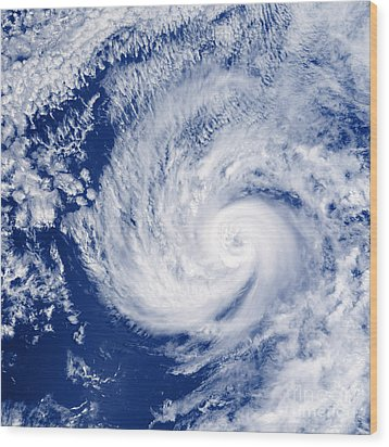 Hurricane Cosme Wood Print by Science Source