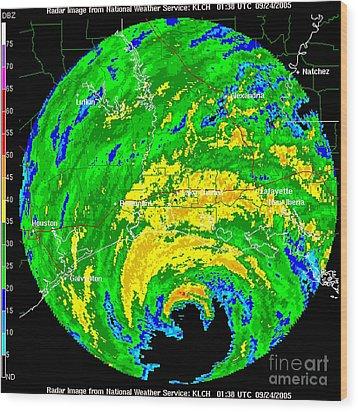 Hurricane Rita, Wfo Radar, 2005 Wood Print by Science Source