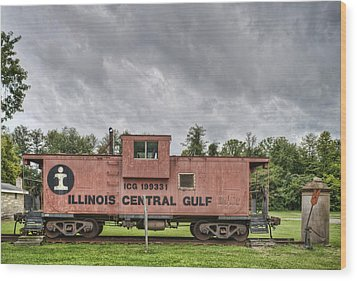 Icg Caboose Wood Print by Jim Pearson