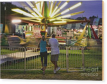 In Love At The Fair Wood Print by Paul Ward