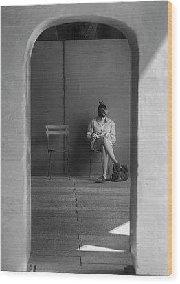 In The Doorway Wood Print by Robert Ullmann