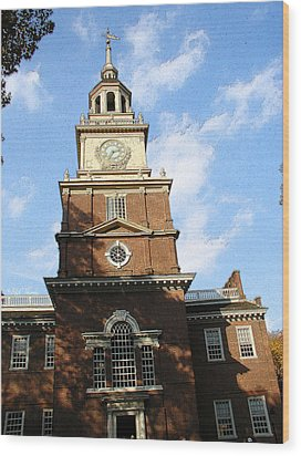 Independence Hall Wood Print by Rick Thiemke