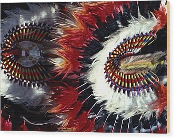 Wood Print featuring the photograph Indian Headdress by Tom Wurl