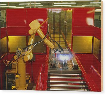 Industrial Robot Welding On Production Line Wood Print by David Parker600-group
