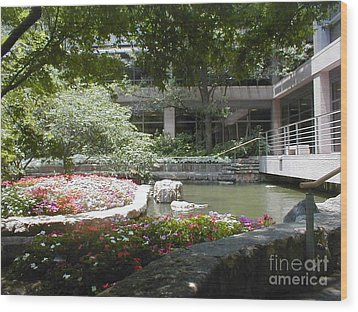 Wood Print featuring the photograph Inner Courtyard by Vonda Lawson-Rosa
