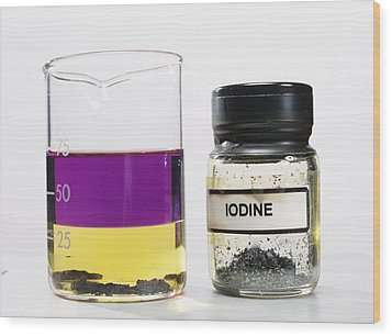 Iodine Properties Wood Print by Andrew Lambert Photography