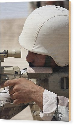 Iraqi Army Sergeant Sights Wood Print by Stocktrek Images