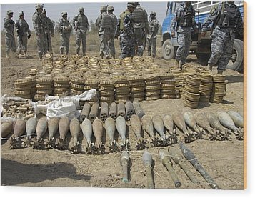 Iraqi National Police And Us Soldiers Wood Print by Everett