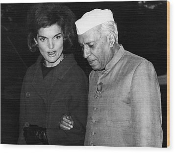 Jacqueline Kennedy, And Indian Prime Wood Print by Everett