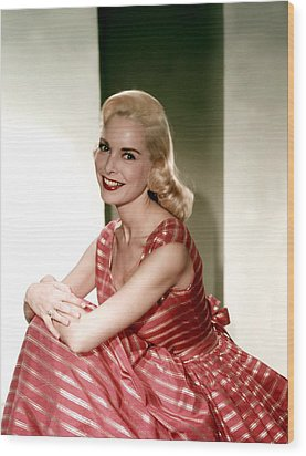 Janet Leigh In The 1950s Wood Print by Everett