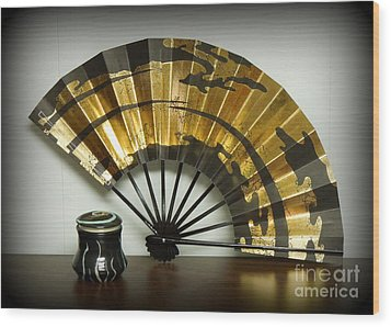 Japanese Fan And Pot Wood Print by Renee Trenholm