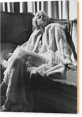 Jean Harlow In A White Gown And White Wood Print by Everett