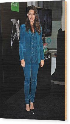 Jessica Biel Wearing A Gucci Suit Wood Print by Everett