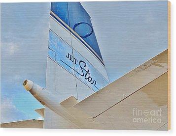 Jet Star Wood Print by Lynda Dawson-Youngclaus