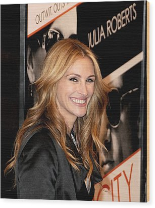 Julia Roberts At Arrivals For Duplicity Wood Print by Everett