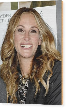 Julia Roberts At Arrivals For Fireflies Wood Print by Everett