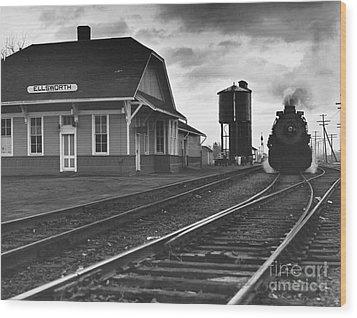 Kansas Train Station Wood Print by Myron Wood and Photo Researchers