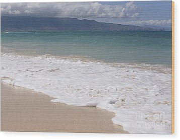Kapukaulua - Purely Celestial - Baldwin Beach Paia Maui Hawaii Wood Print by Sharon Mau