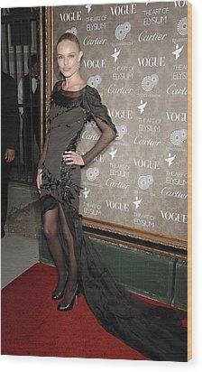 Kate Bosworth Wearing A Nina Ricci Gown Wood Print by Everett